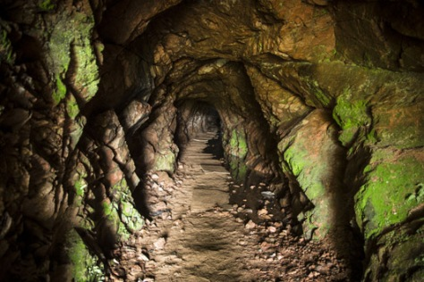 Esta mina, cercana a Cuñapirú, fue explotada en el siglo XIX por la empresa inglesa The Gold Fields of Uruguay. Así eran las galerías por las que transitaban los trabajadores.